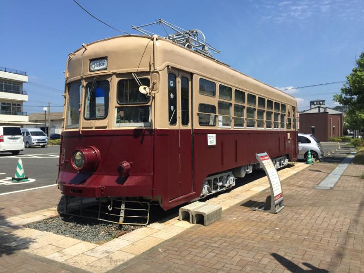 門司港に展示されている古い電車