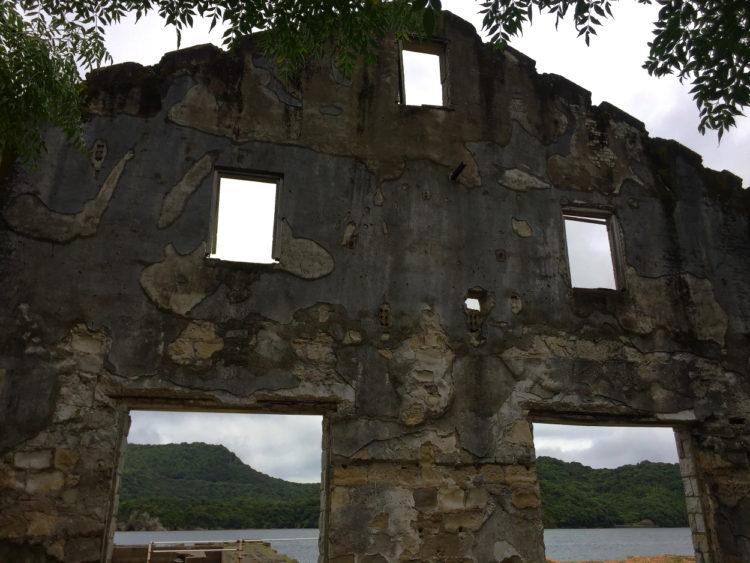 川棚 片島魚雷発射試験場跡 建物内部から外壁