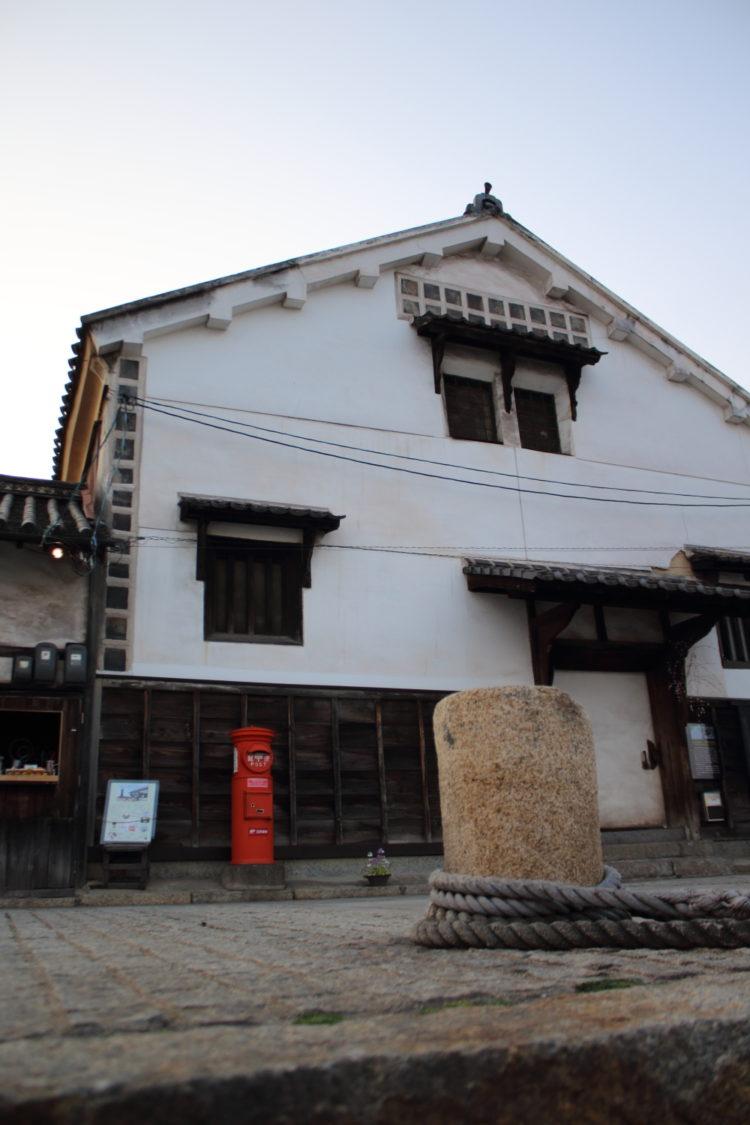 福山 鞆の浦 流星ワゴンのロケ地 常夜灯広場前の建物