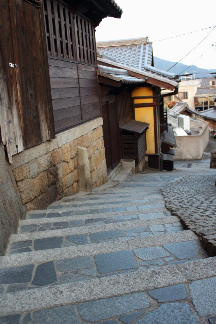 福山 鞆の浦 の古い町並み 石畳の階段