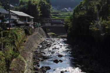 室生寺の前にかかる橋から川を見た