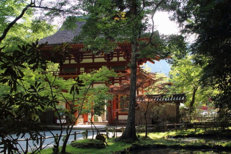 室生寺の仁王像門から入って後から撮影した門