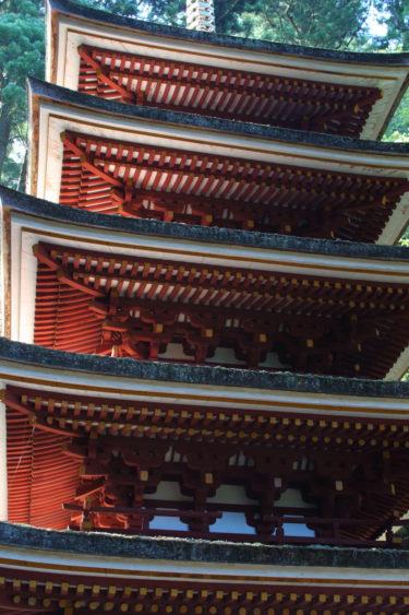 室生寺の五重塔の煽り