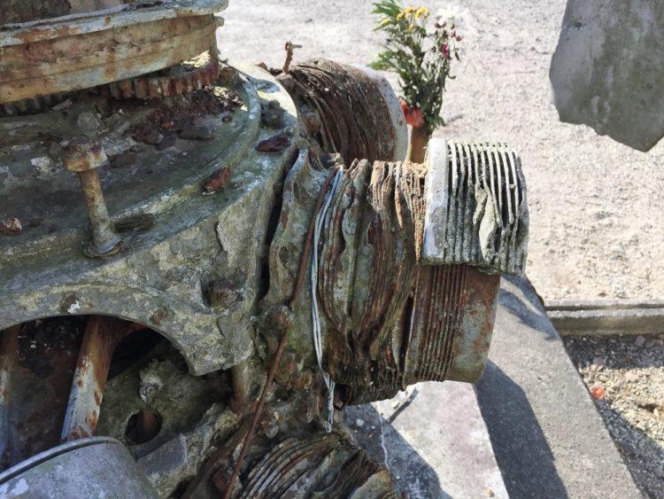 蒲郡の三ヶ根山にあるフィリピン観音霊場 比島観音霊場 以前は零戦のエンジンといわれてた 瑞星発動機 三菱重工製のヘッドとシリンダの勘合部