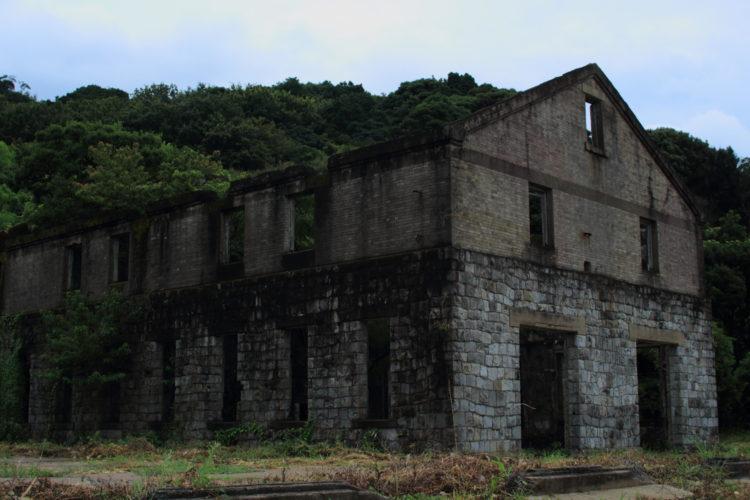 川棚 片島魚雷発射試験場跡 建物斜め前