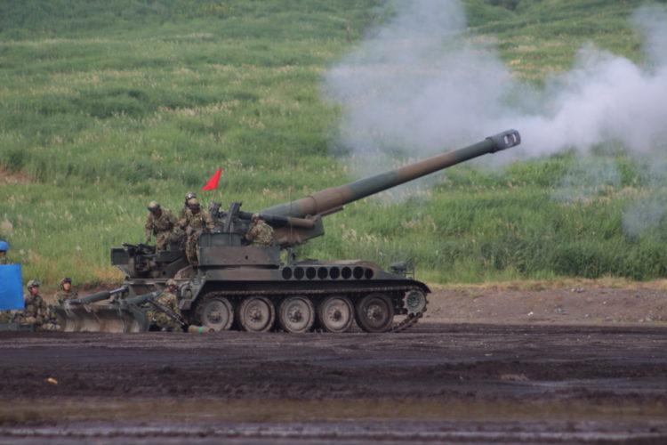"203mm自走りゅう弾砲愛称""サンダーボルト"" 2017富士総合火力演習"