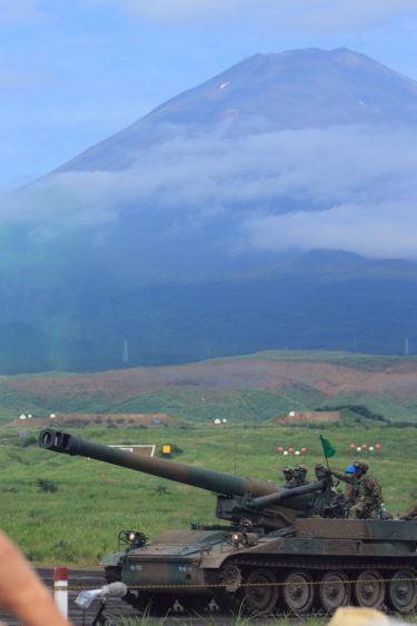 203mm自走りゅう弾砲 サンダーボルト 富士総合火力演習