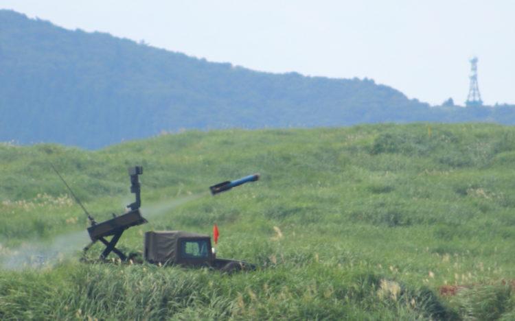ミサイルを発射する中距離多目的誘導 誘導弾及び発射装置