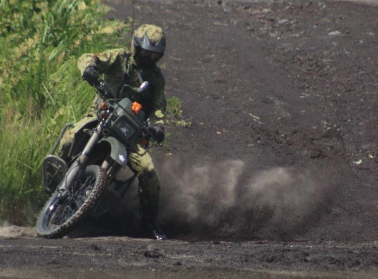 陸上自衛隊 カワサキ KLX250