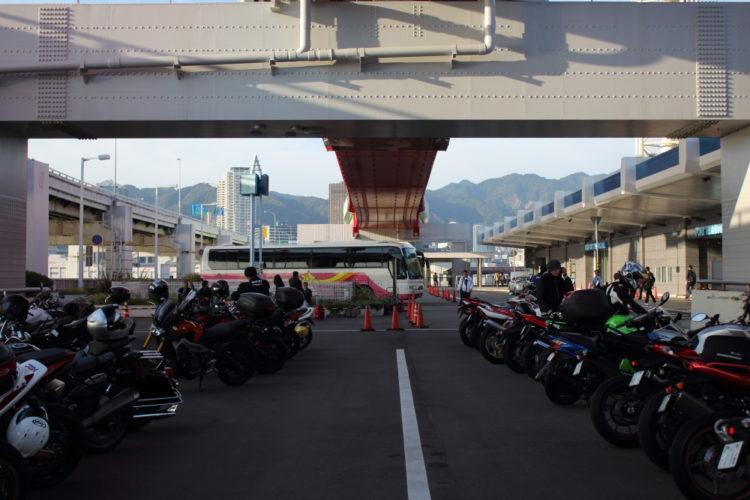 神戸ポートターミナルのバイク駐輪場